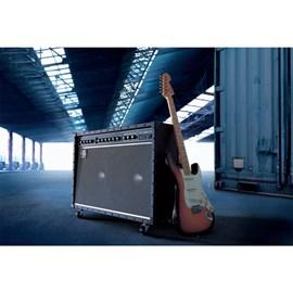 Amplificador Roland JC 120 Jazz Chorus para Guitarra Roland