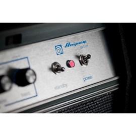Cabeçote Valvulado Ampeg  SVTVR para Contrabaixo com 300 watts Ampeg
