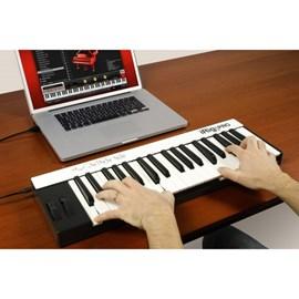 Irig Keys - Controlador Midi 37 Teclas IK Multimedia