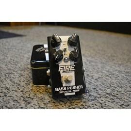 Pedal PreAmp e Distorção para Contrabaixo Bass Pusher Fire Custom Shop