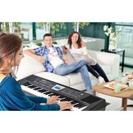 Teclado Roland BK-3 Backing Keyboard com 61 Teclas - Preto (BK)